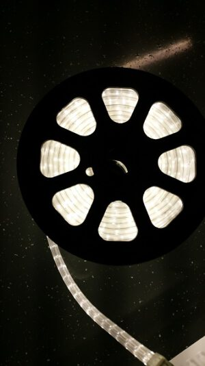 led slang op rol wit. markt verlichting evenementen verlichting beurs verlichting odf led